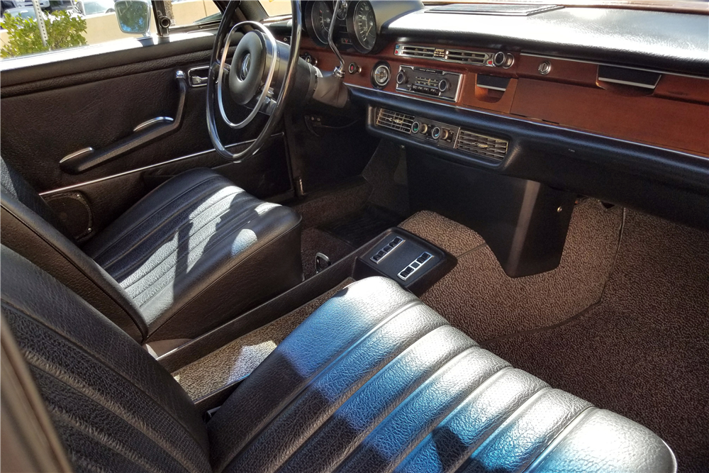 The interior looks like the King barely drove the car. | Barrett-Jackson photo