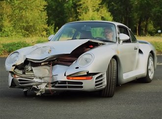 Crashed 1987 Porsche 959 heading to Monterey auction