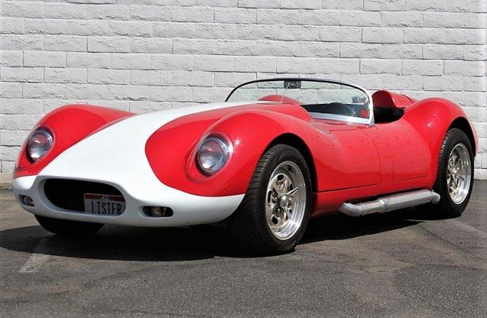 Roaring replica Lister V8 roadster for genuine driving thrills