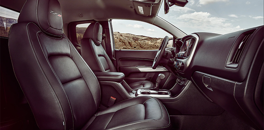 The interior of the 2018 Chevrolet Colorado ZR2 was nicer than expected and had some nice tech touches. | Chevrolet photo