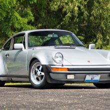 NFL great Walter Payton's Porsche 930 Turbo at Mecum Chicago sale