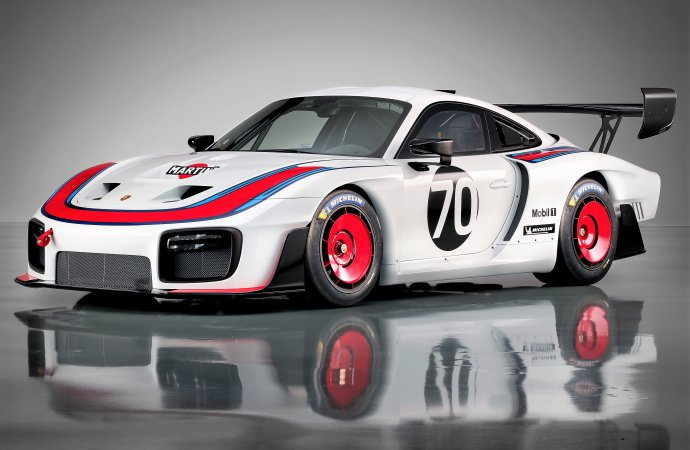 Newly minted Porsche 935 racer debuts at Rennsport Reunion
