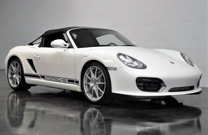 Simple, lightweight and fast Porsche Boxster Speedster