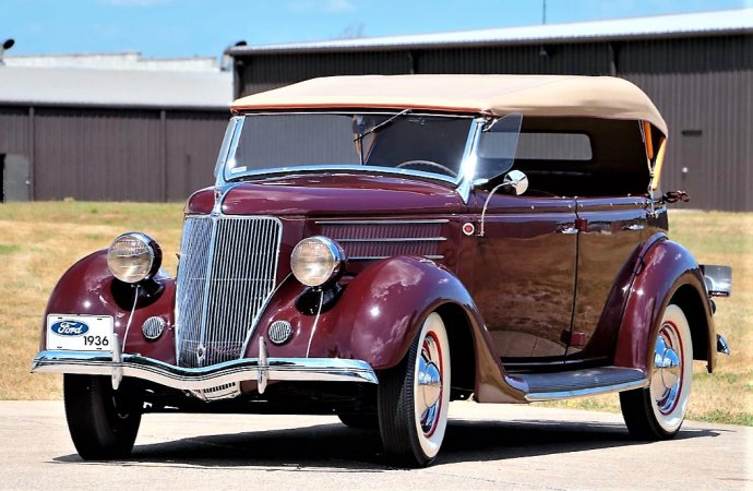 Car collector emptying out garage at Mecum Chicago auction