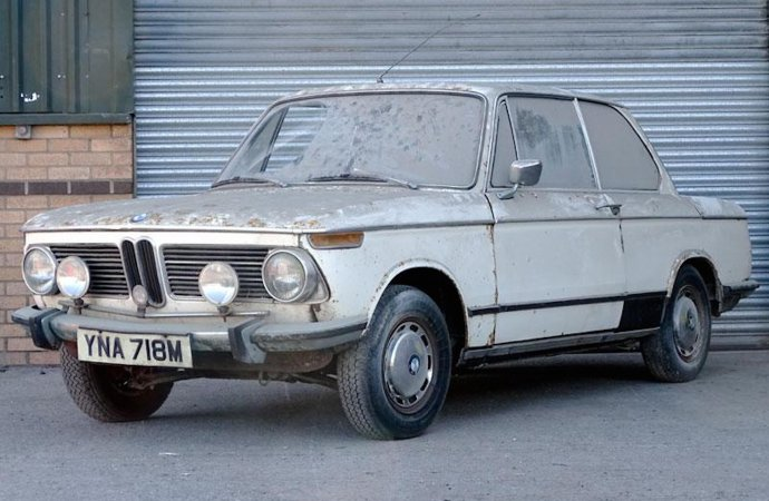 BMW 2002 goes home