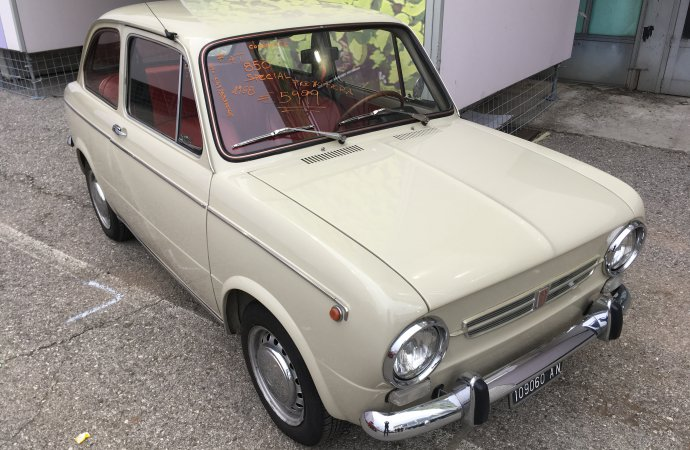 Tidy Fiat 850 Coupe was a nice deal at €5,999 ($6,800).