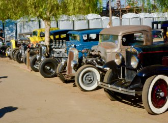 Grooving in 'The Grove' at the California Hot Rod Reunion