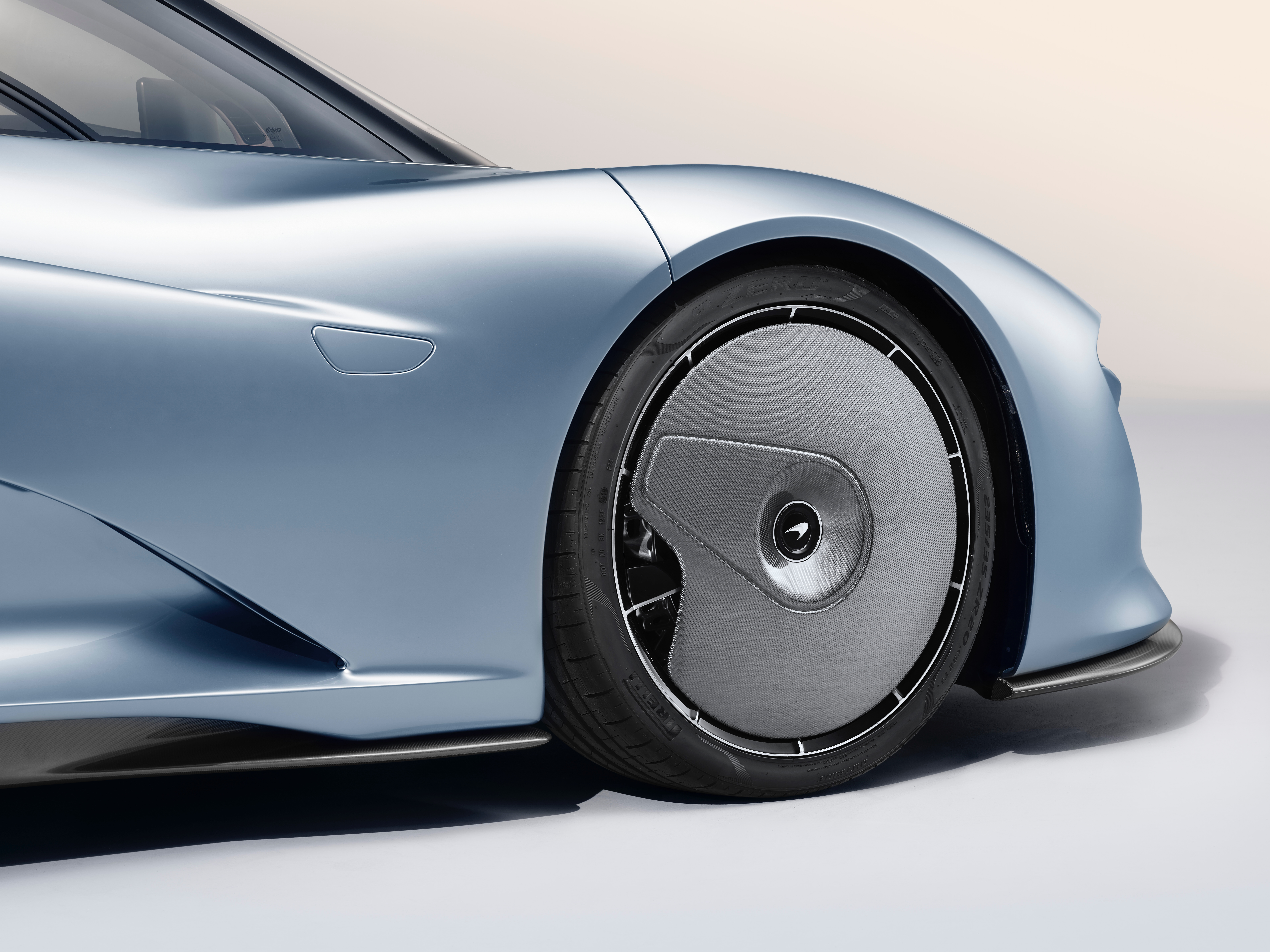 mclaren unveils its 250 mph speedtail, the first 'hyper-gt'
