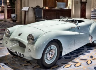 'Jabbeke' Triumph TR2 honored as historic car of the year