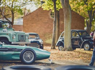 Thousands attend final Sunday Scramble of the season at Bicester Heritage