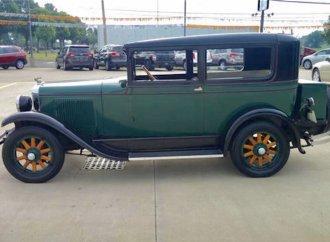 1928 Pontiac Six a dealer-family showpiece