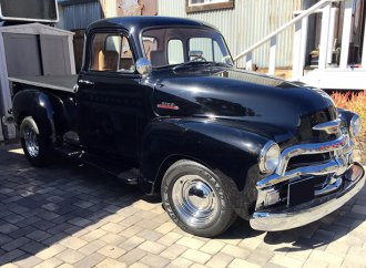 Buy hard: '54 Chevrolet truck built for Bruce Willis up for auction