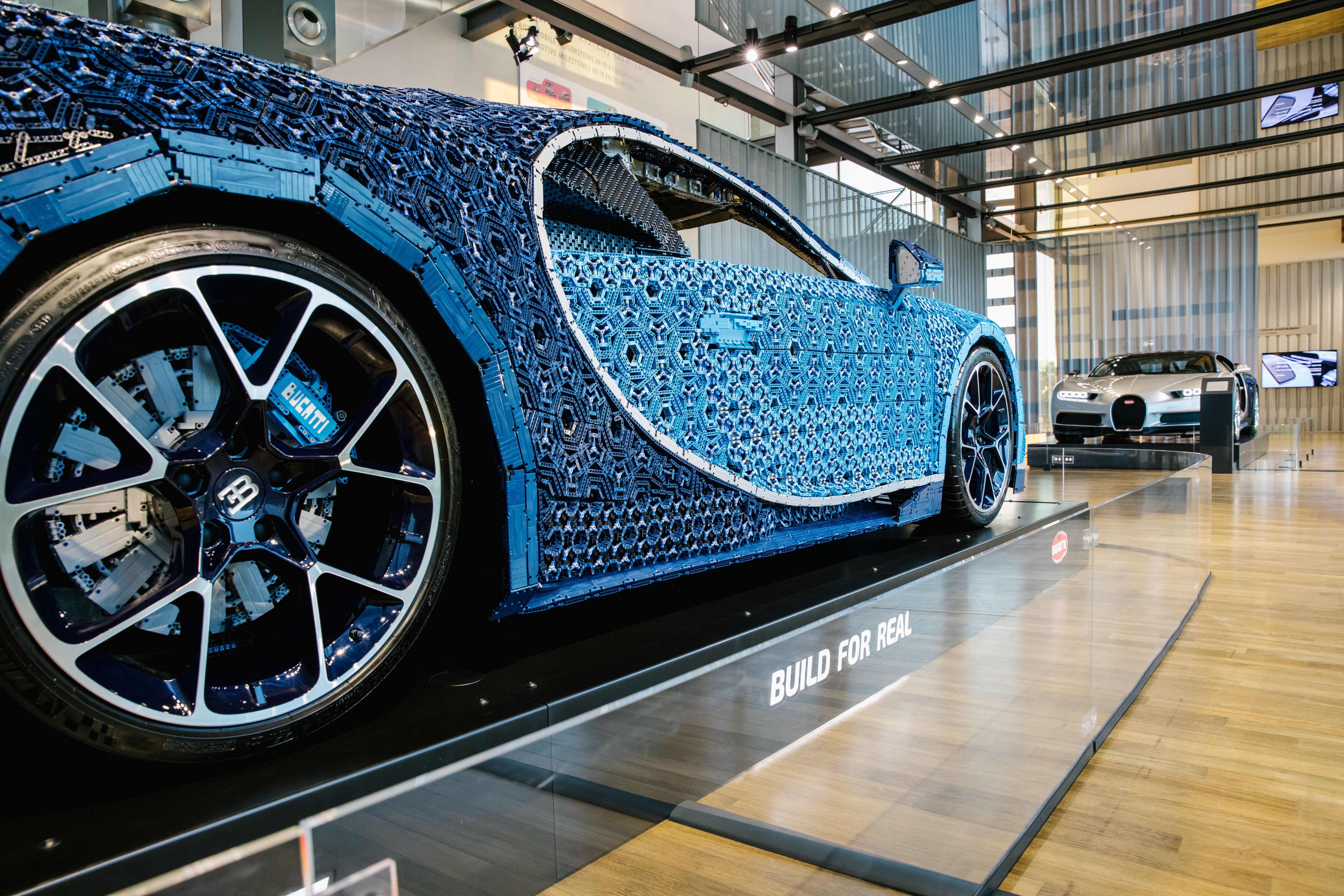 how much does a full scale bugatti made of lego bricks weigh. Black Bedroom Furniture Sets. Home Design Ideas