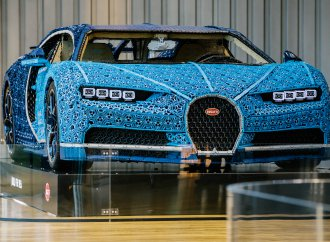 How much does a full-scale Bugatti made of Lego bricks weigh?