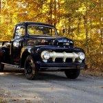 8909300-1952-ford-f3-pickup-truck-std