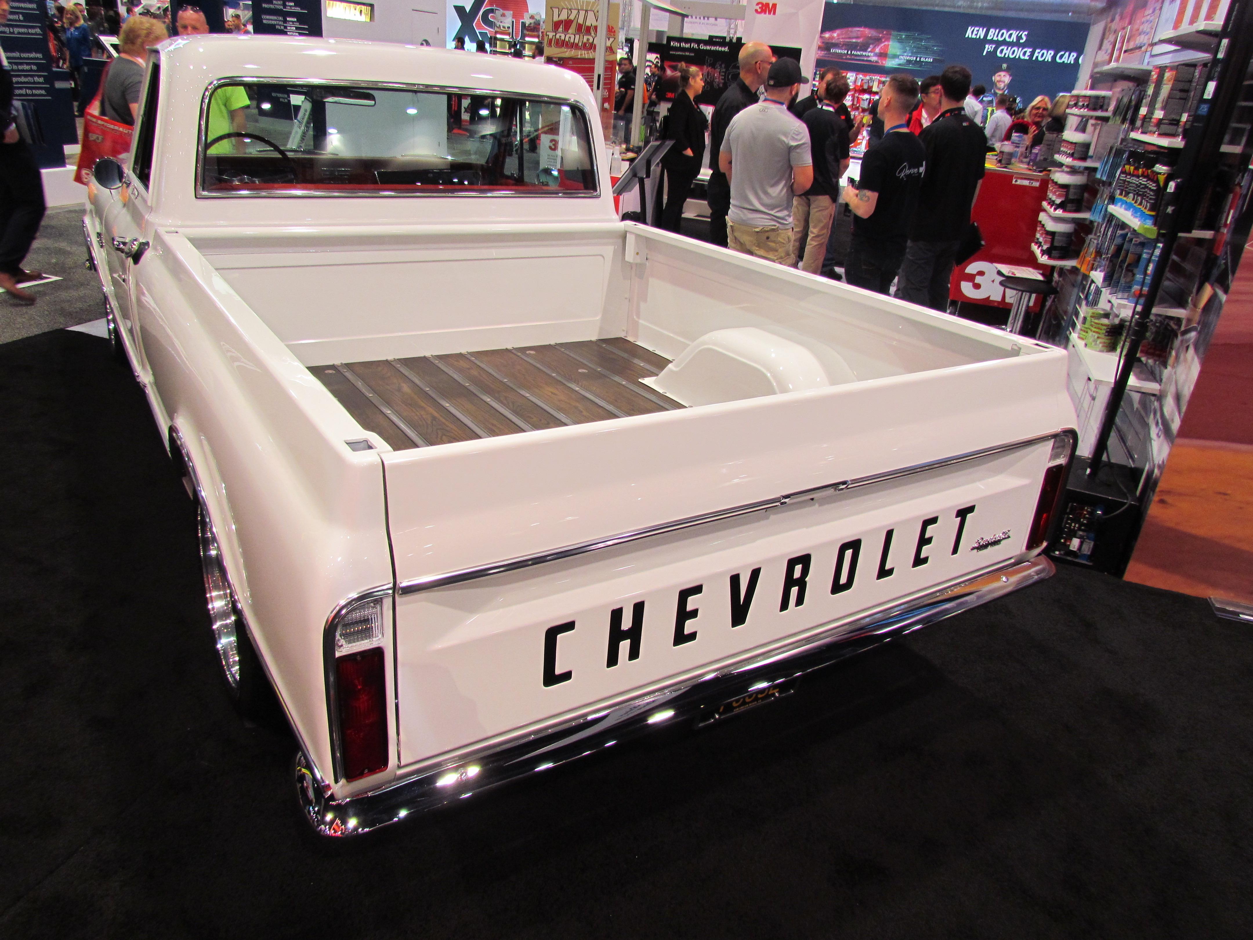 sema seen chip foose s camaro powered 1967 chevrolet c 28