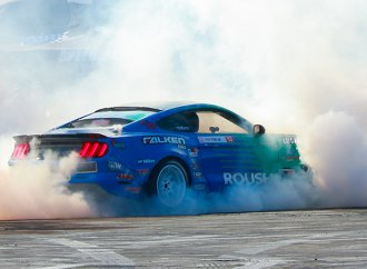 Roush shows off with superpowered booth, drift experience at SEMA