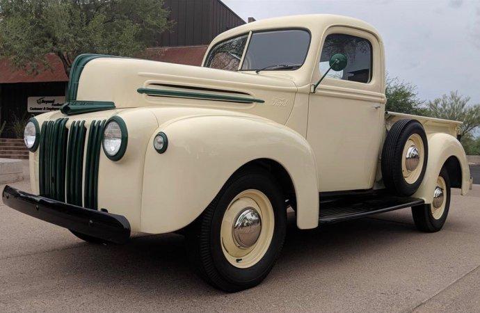 WWII-vintage Ford pickup