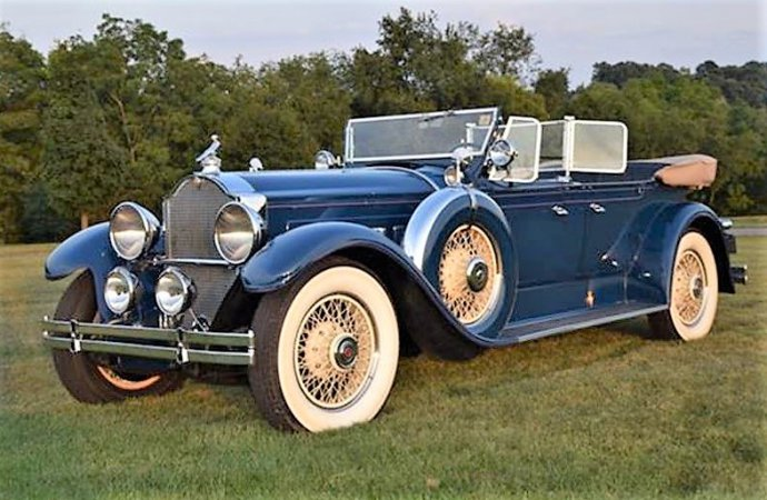 Grand classic Packard Phaeton