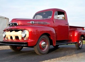 Fully restored 1952 Ford F1 pickup