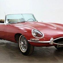 'Barn find' 1961 Jaguar E-type, early flat-floor roadster