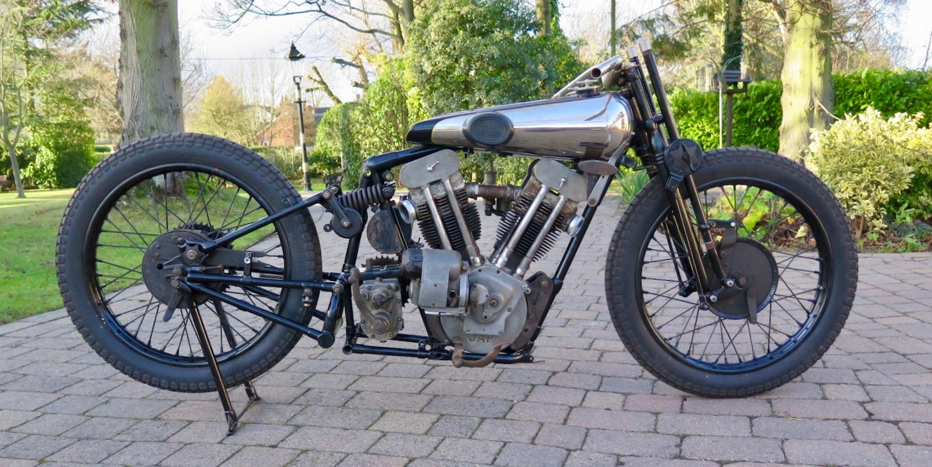Brough Superior SS, 'Gentleman' Dickson's Brough Superior headed to auction, ClassicCars.com Journal