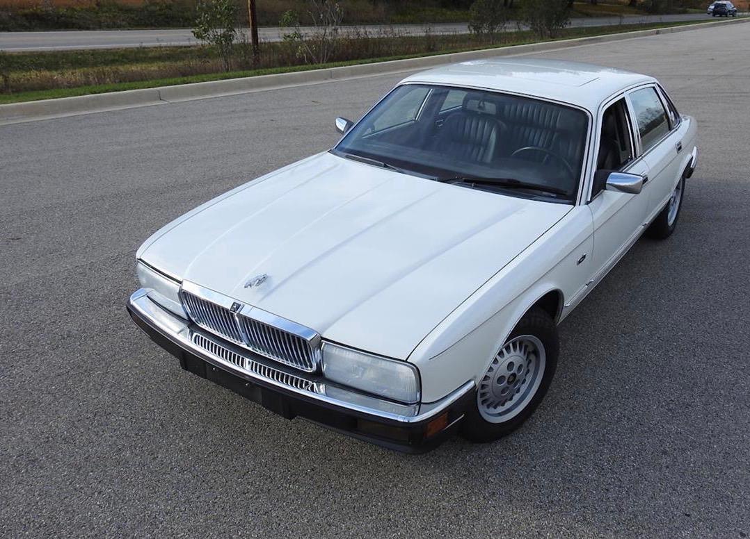 1990 sedan cars