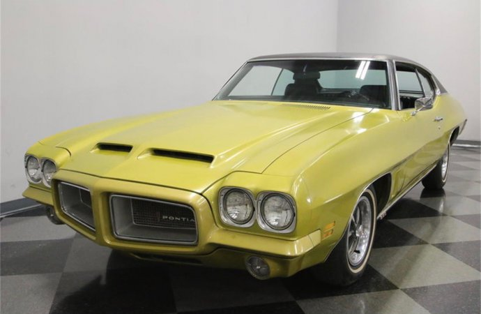 1972 Pontiac LeMans has unusual features
