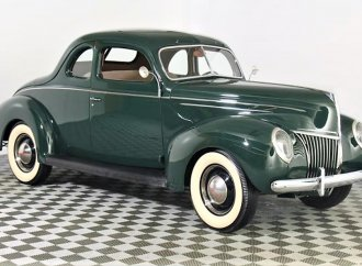 Flathead Ford V8 Deluxe coupe restored to factory specs