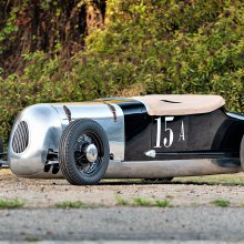 Historic dry lakes roadster races into Gooding's Arizona auction