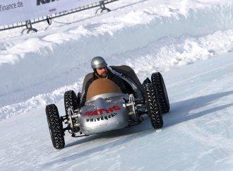 Austrian ice racing revival entertains 8,000 people