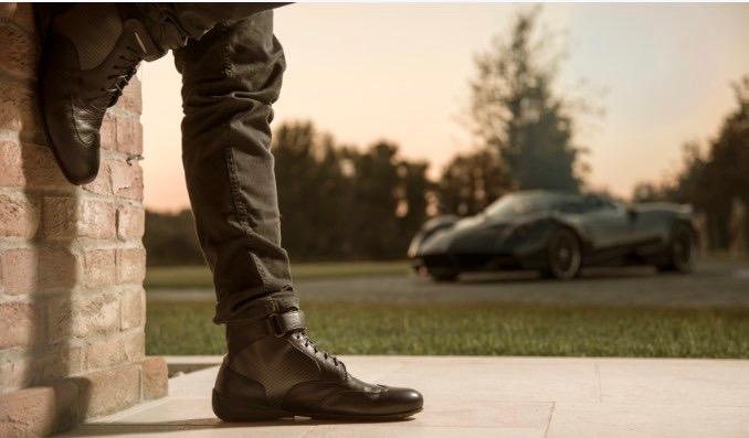 Pagani, Piloti team to create 'Roadster Driving Boot'