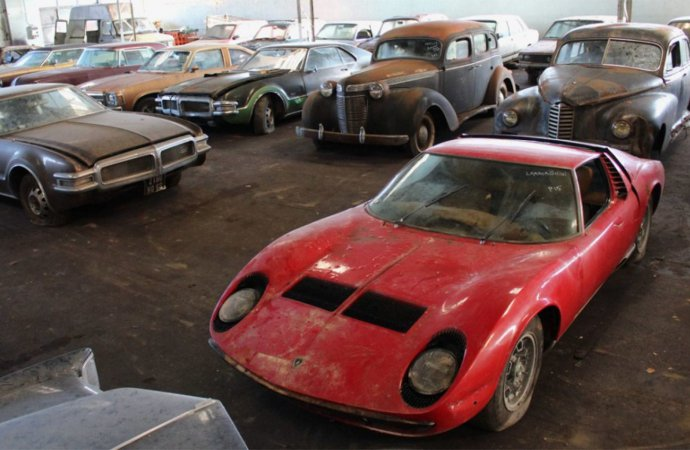 Miura tops 81-car, barn-found auction trove