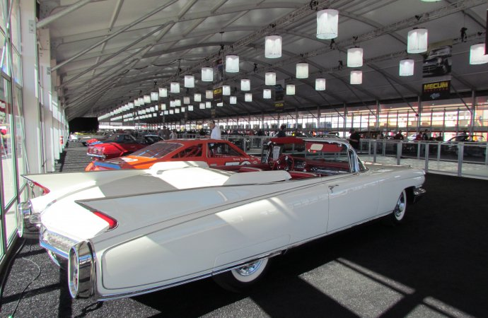 Larry's likes among premium cars at Mecum's Kissimmee sale