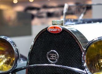 Bugatti staging birthday bash at Retromobile