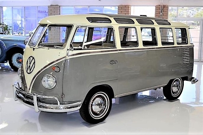 Early Vw 23 Window Samba Bus That S Been Restored With Flair