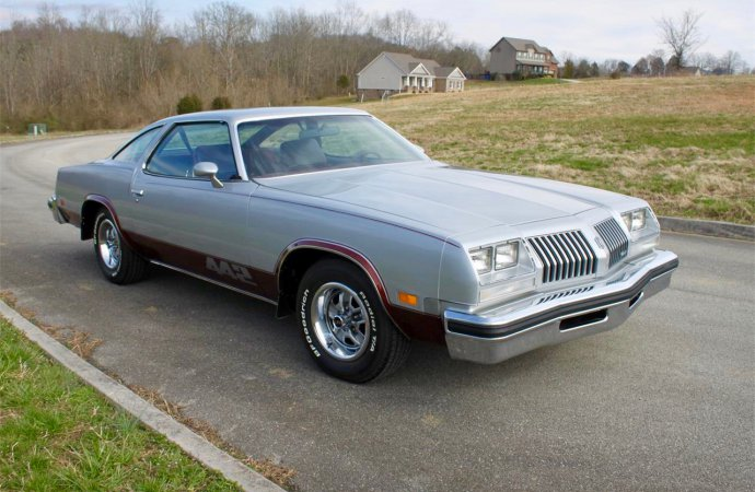 '76 Olds 442 driven less than 11,000 miles