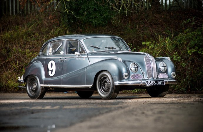 Silverstone sets 80-vehicle docket for Race Retro auction