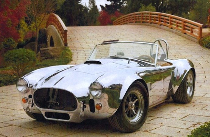 427 Cobra re-creation among stars of Leake Auction docket