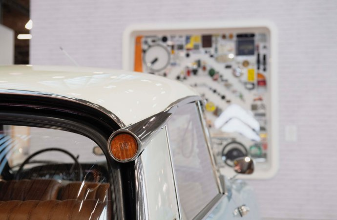 Sculpture celebrates Citroen centennial