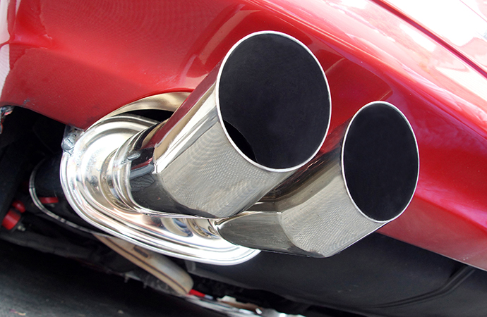 Lawmakers take first step in rolling back California exhaust law change