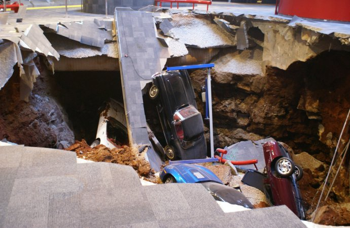 Corvette museum offers virtual tours of the sink hole cave
