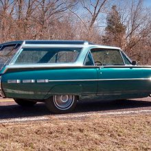 One-off '62 Thunderbird has Olds Vista Cruiser roof