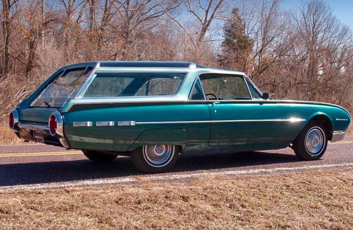 One-off '62 Thunderbird has Olds Vista Cruiser roof