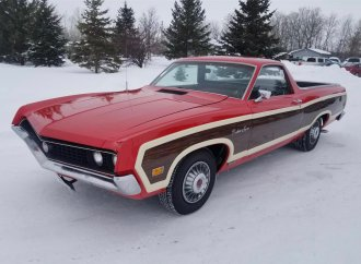 '70 Ranchero Squire still has original 351cid V8