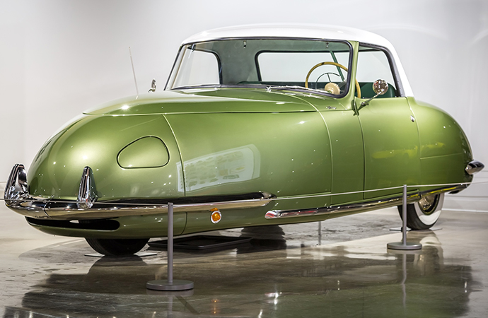 The 1948 Davis Divan is one of the odder cars to emerge during the post-war automotive design boom. | Ted7 photo