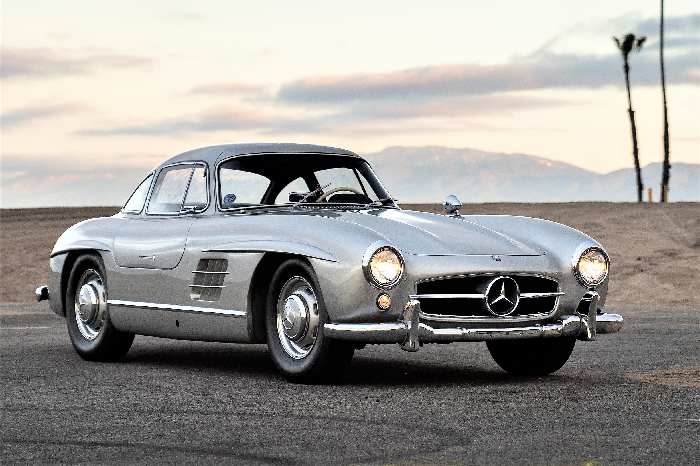 rock star adam levine s 300 sl gullwing set for rm auctions sale. Black Bedroom Furniture Sets. Home Design Ideas