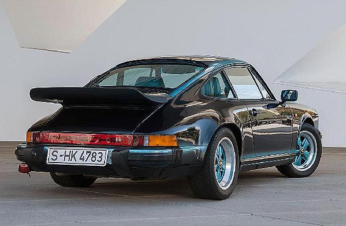 Feel the teal: Porsche Classic restores one-off 1984 911 Carerra 3.2