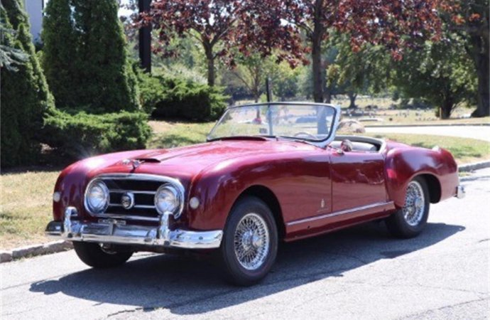 Classic Nash Healey souped up with Jaguar engine, suspension