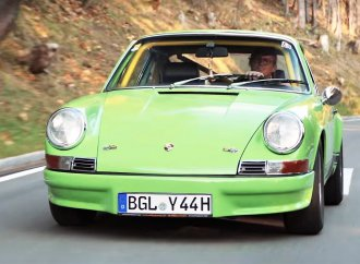 Though born without legs, he fulfills his Porsche dream